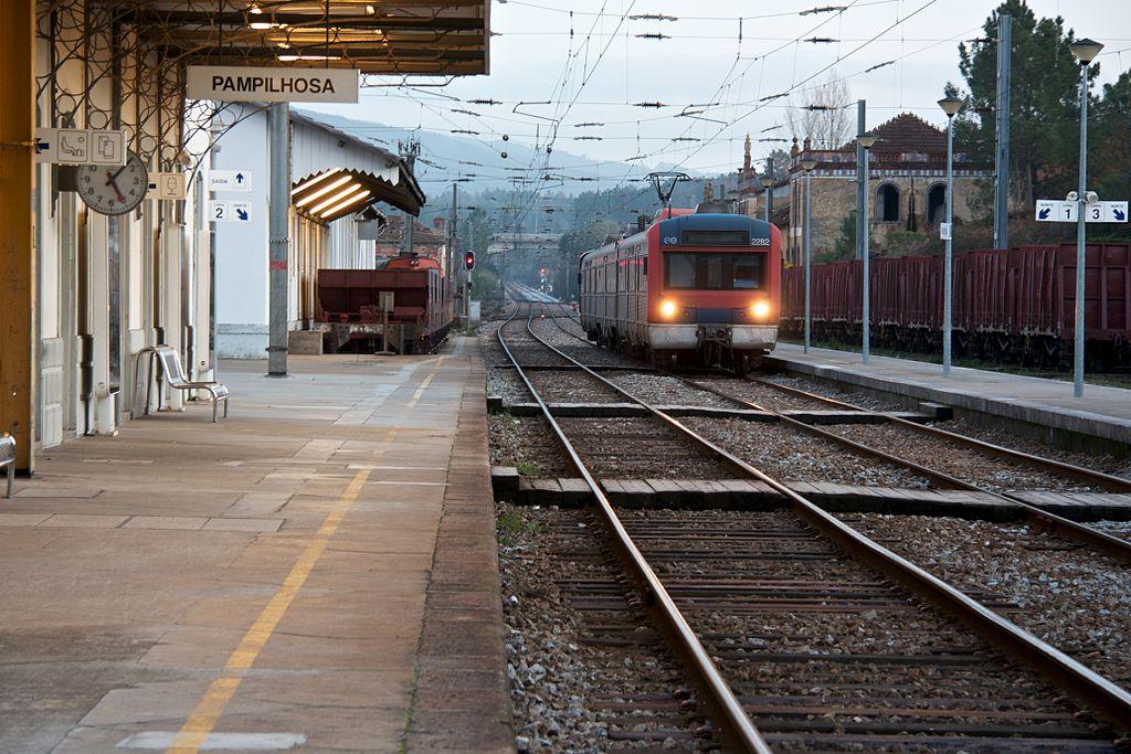 Regional da CP na Pampilhosa, a caminho de Coimbra (A)